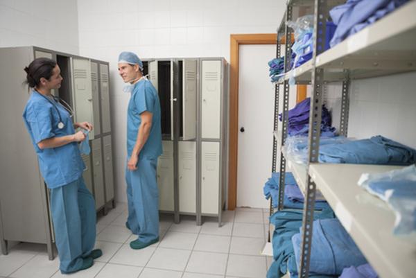 sweetorr-best-practice-care-protective-wear-nurses-storage